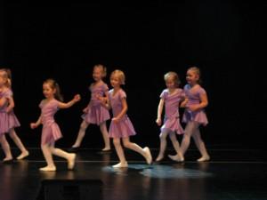 Männimudila tantsijad
