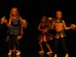 Männimudila Lasteaia tantsijad
